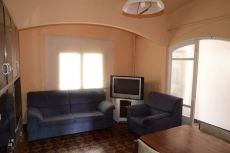 Alquiler casa independiente Olot de 2 plantas 4 habitaciones