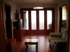 Vivienda con balc�n, un primer piso
