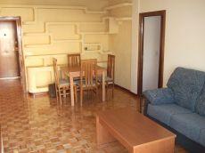 M�stoles Centro. Bonito piso impecable. Muy soleado.