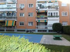 Excelente piso con piscina