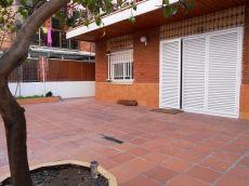 Bajos con patio