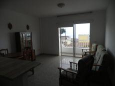 Se alquila piso en San Miguel
