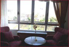 Se alquila estupendo piso en zona Coraz