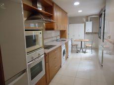 270 Nuevo, zona San Nicol�s, con garaje, orientaci�n Sur