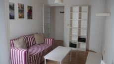 Se alquila piso soleado en la calle Real de Ferrol