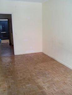 Piso 2 dormitorios sin amueblar con calefaccion central
