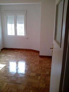 Piso 3 dormitorios sin amueblar con calefaccion central