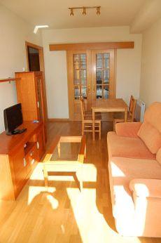 Precioso piso de una habitaci�n y garaje junto calle Real