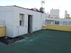 Alquilamos atico plaza de garaje terraza armarios