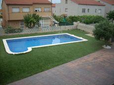 Casa con jardin garaje y piscina