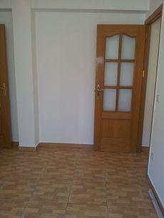 Se alquila piso en zona Barrio del Pilar sin amueblar