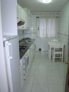 Apartamento amueblado en Rda. De Nelle con Avd. Finisterre,