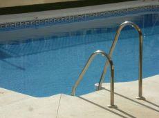 Piso en el centro, edificio con piscina