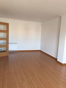Lastra. Alquiler sin muebles, cocina amueblada. Nuevo. 2 d