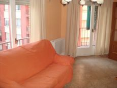 Piso de 3 habitaciones, amueblado, en la Calle Ibiza
