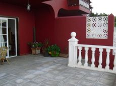 Alquiler de adosado con terraza, balc�n, jard�n. Finca Amado
