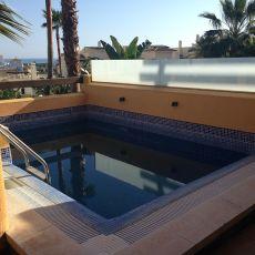 Bajo con piscina privada en el campanario