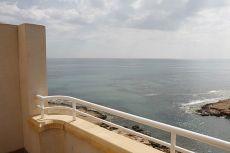 �tico 2d garaje y sol�rium con vistas al mar.