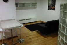 Coqueto estudio, ambiente dormitorio separado, terraza, gara