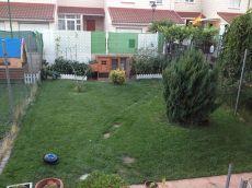 Adosado con amplio jardin chimenea aacc gran oportunidad