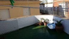 Se alquila loft con terraza privada