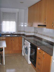 Piso de 3 habitaciones y 2 ba�os en San Blas