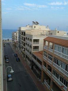 Piso de obra nueva junto playa,buenas vistas