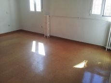 Piso de 2 habitaciones con calefacci�n central en ibiza.