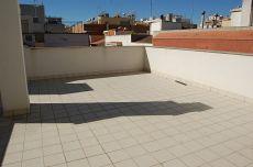 Bonito piso en el centro de Vilanova con gran terraza