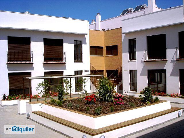 Alquiler y opcion compra residencial patio de las flores for Alquiler de casas en sevilla particulares