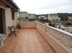Casa en alquiler con muebles con terraza