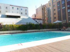 Piso dos dormitorios, vac�o, calle Juan Bravo con piscina