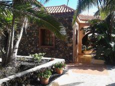 Se alquila casa con terraza, jard�n, Todoque