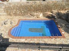 Mas�a de piedra con piscina para desconectar del estr�s.