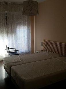 Piso exterior de 120 m2 de 5 habitaciones 2 ba�os amueblado