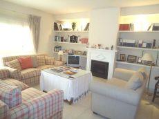 Casa amplia zona tranquila Estepona 4 Dorm 3 Ba�os Garaje