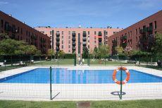 Piso dos dormitorios con piscina comunitaria