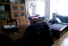Se alquila piso de 2 habitaciones en la zona de gros