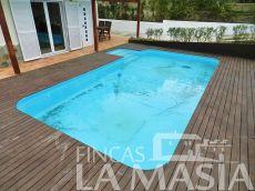 Casa independiente con piscina
