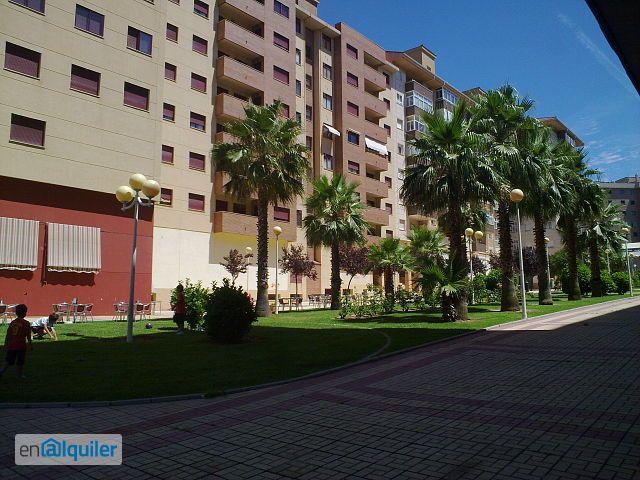 Alquiler de pisos de particulares en la comarca de c ceres for Cuberteria hipercor