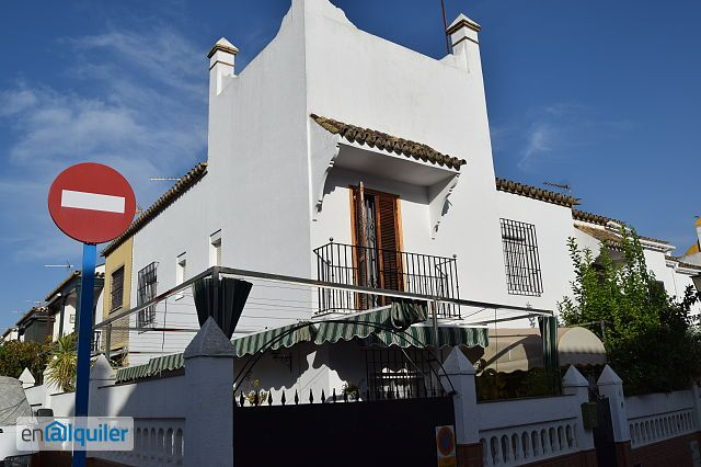Casa adosada en cavaleri 4455347 - Enalquiler mairena del aljarafe ...