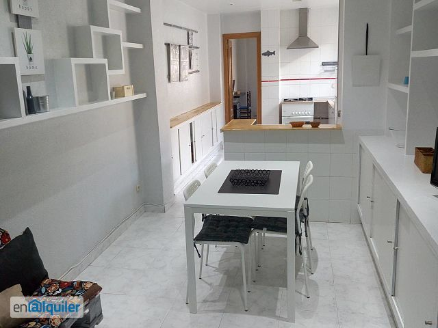 Piso 3 dormitorios wifi solo estudiantes 4949701 for Pisos estudiantes valencia