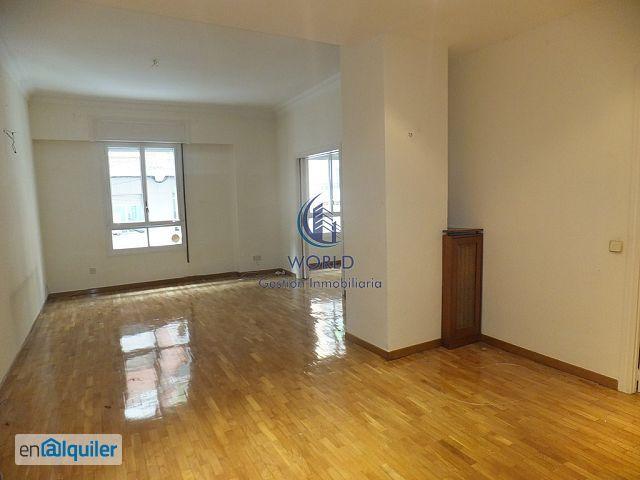 Precioso piso con patio de uso y disfrute de la vivienda