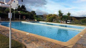Alquiler piso amueblado piscina Alcorrín (San Luis de Sabinillas, Málaga)