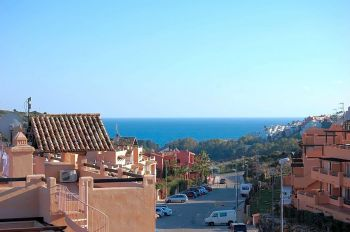 Alquiler piso terraza Finca cortesín (Alcorrín, Málaga)