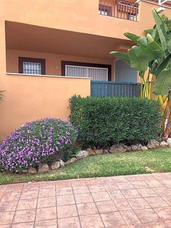 Alquiler piso terraza Casares costa (Alcorrín, Málaga)