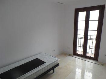 Apartamento de 2 habitaciones en pleno centro de Estepona (Manilva, Málaga)