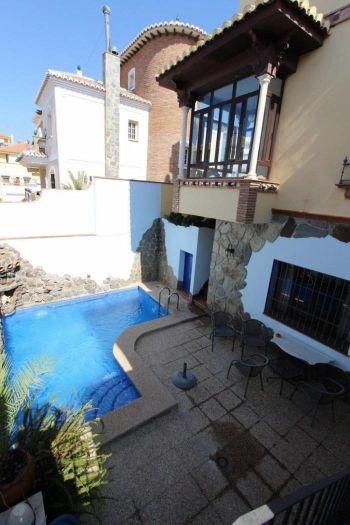 Alquiler casa piscina y terraza Almijara (Nerja, Málaga)