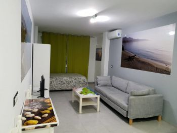 Estudio de alquiler en Nerja con piscina (Frigiliana, Málaga)