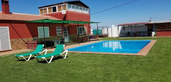 Villa con piscina larga temporada. (Mollina, Málaga)